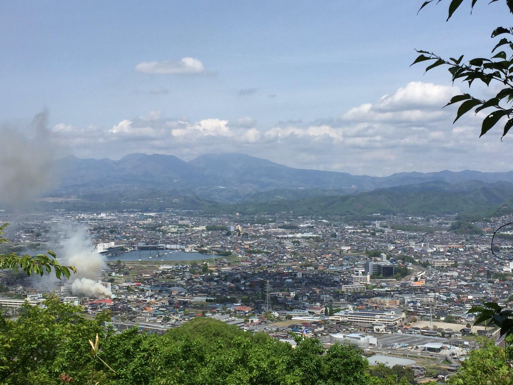 画像,本日定休日です茶臼山に山登り気持ちいいですが広沢で火事なようです https://t.co/BA8Xio3vKv。