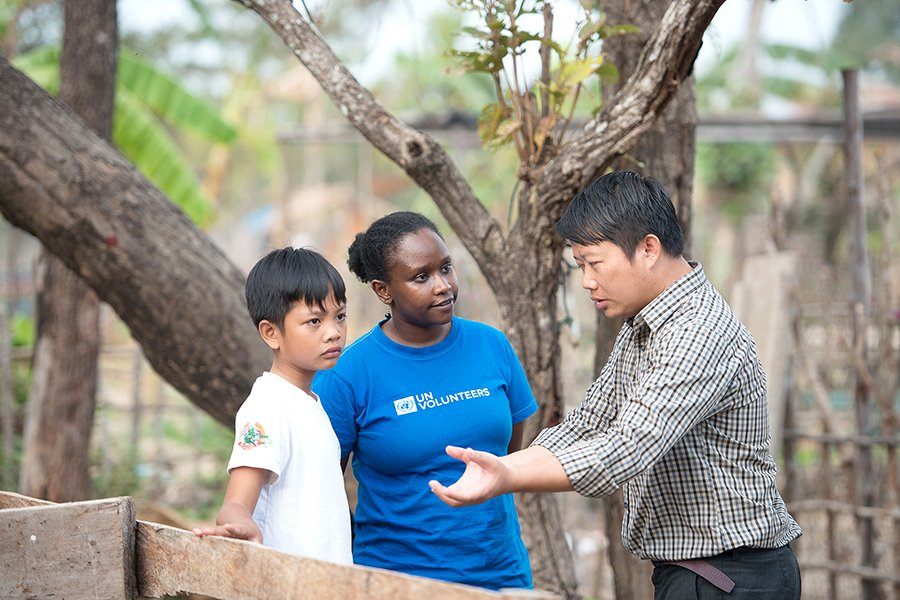 Need some #MondayMotovation ?  - Build your skills  - Make a positive impact  - Change the  for the better    Become a @UN #Volunteer!  http:// bit.ly/2VoAGbD    <br>http://pic.twitter.com/dbO1tfnRi1