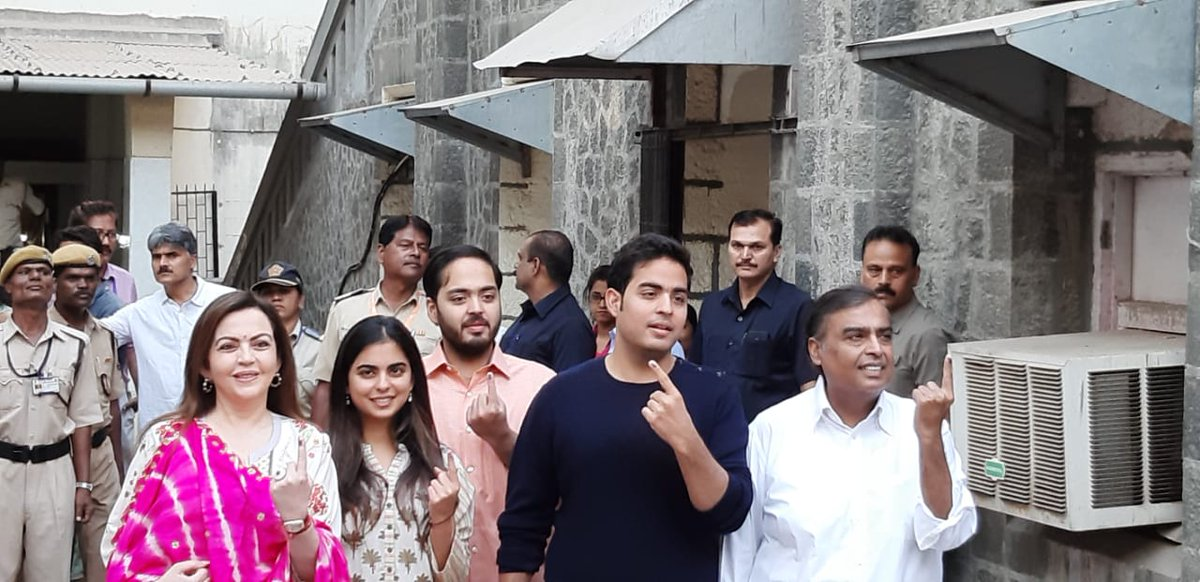 In pics: Some of prominent Gujaratis in Mumbai at polling stations