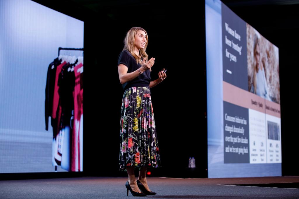 """""""How a customer experiences a brand is critical to the success of any business"""" – @Jenny_RTR on marketing strategies advisors can learn from retailers at #NationalLINC 2019.  What strategies can you apply to your business?  http://ms.spr.ly/6016THRYy"""