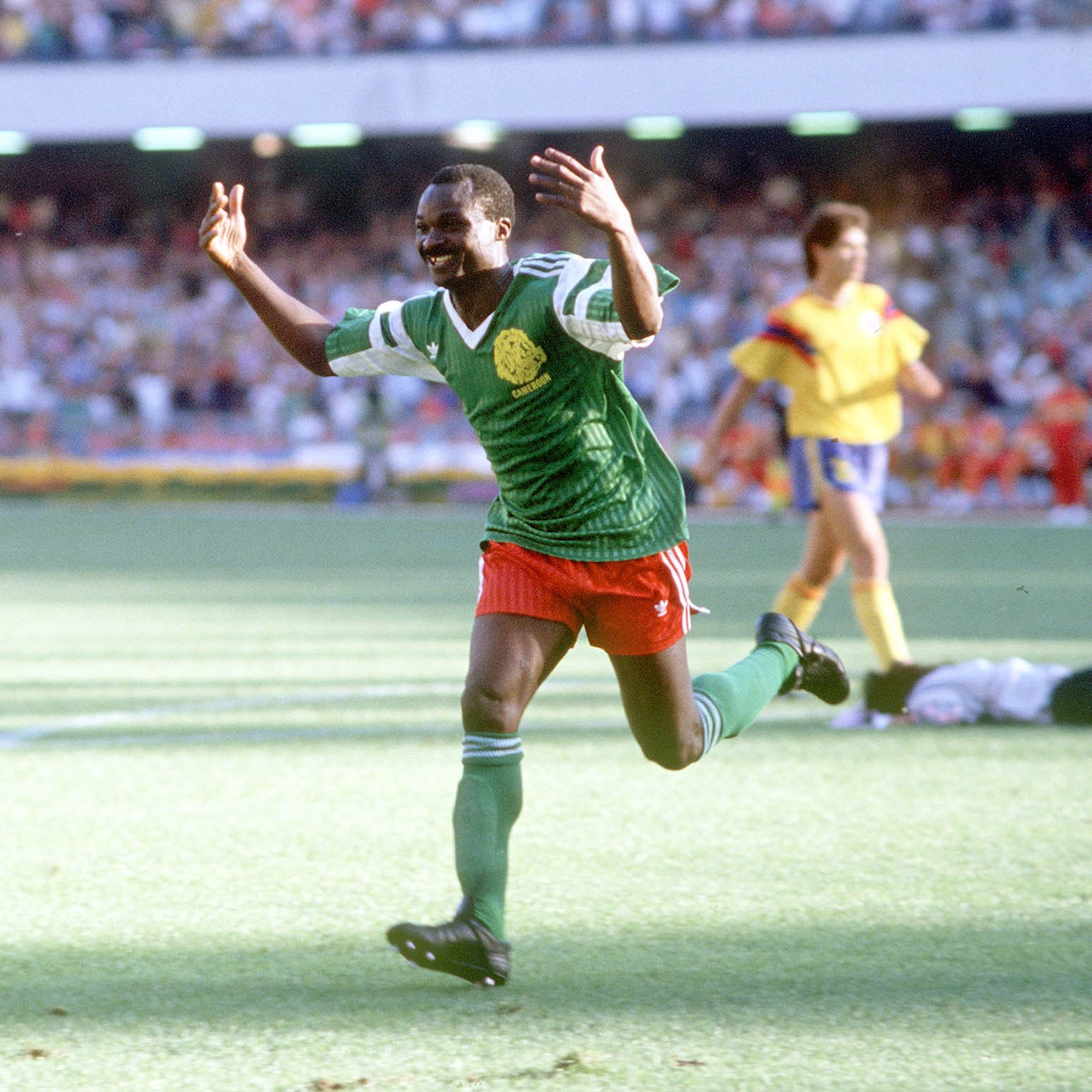 Details about  /Roger Milla Graffiti Cameroon Football Mens Organic Cotton T-Shirt World Cup Eco