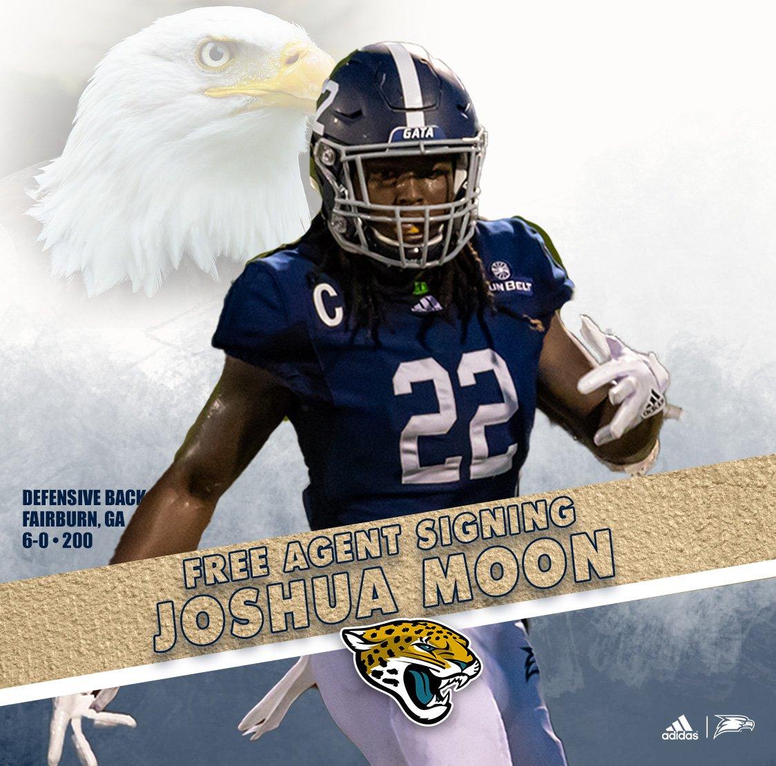 competitive price 13db6 8a034 Joshua Moon (@LookatJMoon) | Twitter