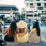 Image for the Tweet beginning: Girls weekend in Hawaii? Waikiki