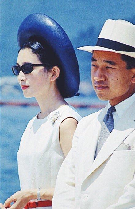 「美智子さま コラ画像」の画像検索結果