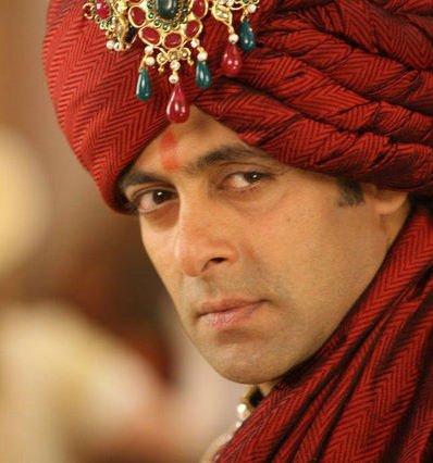 @BeingSalmanKhan LOVE YOU BHAIJAAN