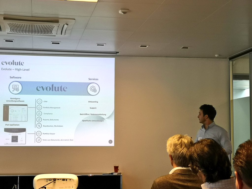 Lukas Wiederkehr from @evoluteSwiss presents how the evolute solution supports the external asset manager #EAM in his daily operations and ensures compliance #mifid #finig #fidleg  #UVV #fintech #RegTech #wealthtech #WealthManagementpic.twitter.com/m8eBe6Asfp
