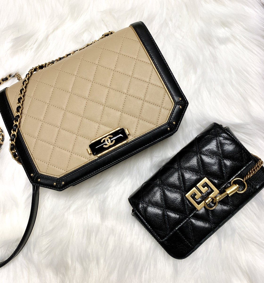 32650d1f7bc8 chanel bag hardware hashtag on Twitter