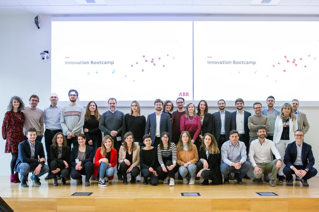 #InnovationBootcamp di @ABBItalia: #startup, PMI, professionisti ed esperti di service design e digital strategy insieme ad ABB, Twig, Digital Magics, @POLI_design e @polimi per portare sul mercato nuove soluzioni per #Industria40  Per saperne di più: https://t.co/gJLQAcFPxc https://t.co/egWAsDJTtG