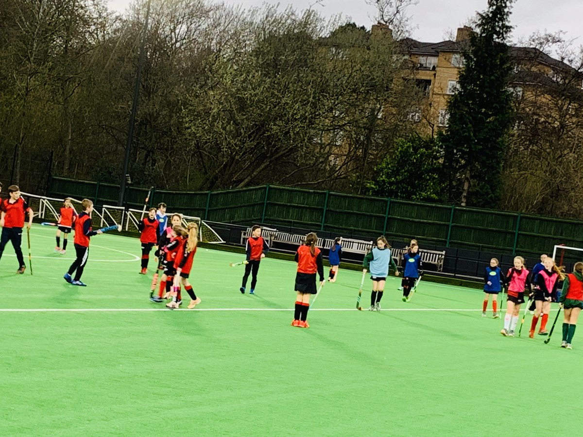 Looking forward to our Junior Academy sessions starting tonight for years 5-7 and 8-12. Thanks to John Bell and @mattfoxphysio for planning a great programme!  #Bowdonjuniors #hockeydevelopment #hockeyfamily #summertraining #Bowdon #hockey #Manchester<br>http://pic.twitter.com/mZPZwmCMAF