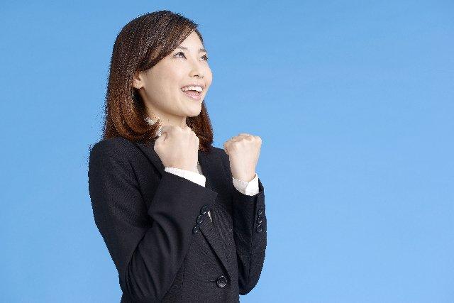 『最初に入った会社に染まる』人生で初めて働いた会社は、アクセンチュア出身が経営するベンチャー企業。そこにいたインターン生の就職先は1位アクセンチュア2位リクルートそのおかげか、今までアクセンチュア関係者と事業することが多く、最近はリクルートの方ともビジネスしてる^^