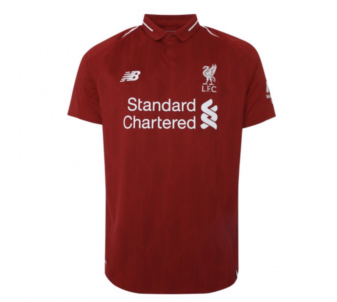 RT SI TU VEUX UN MAILLOT DE LIVERPOOL ❤️ #LIVBAR https://t.co/07YF9Wl5AN
