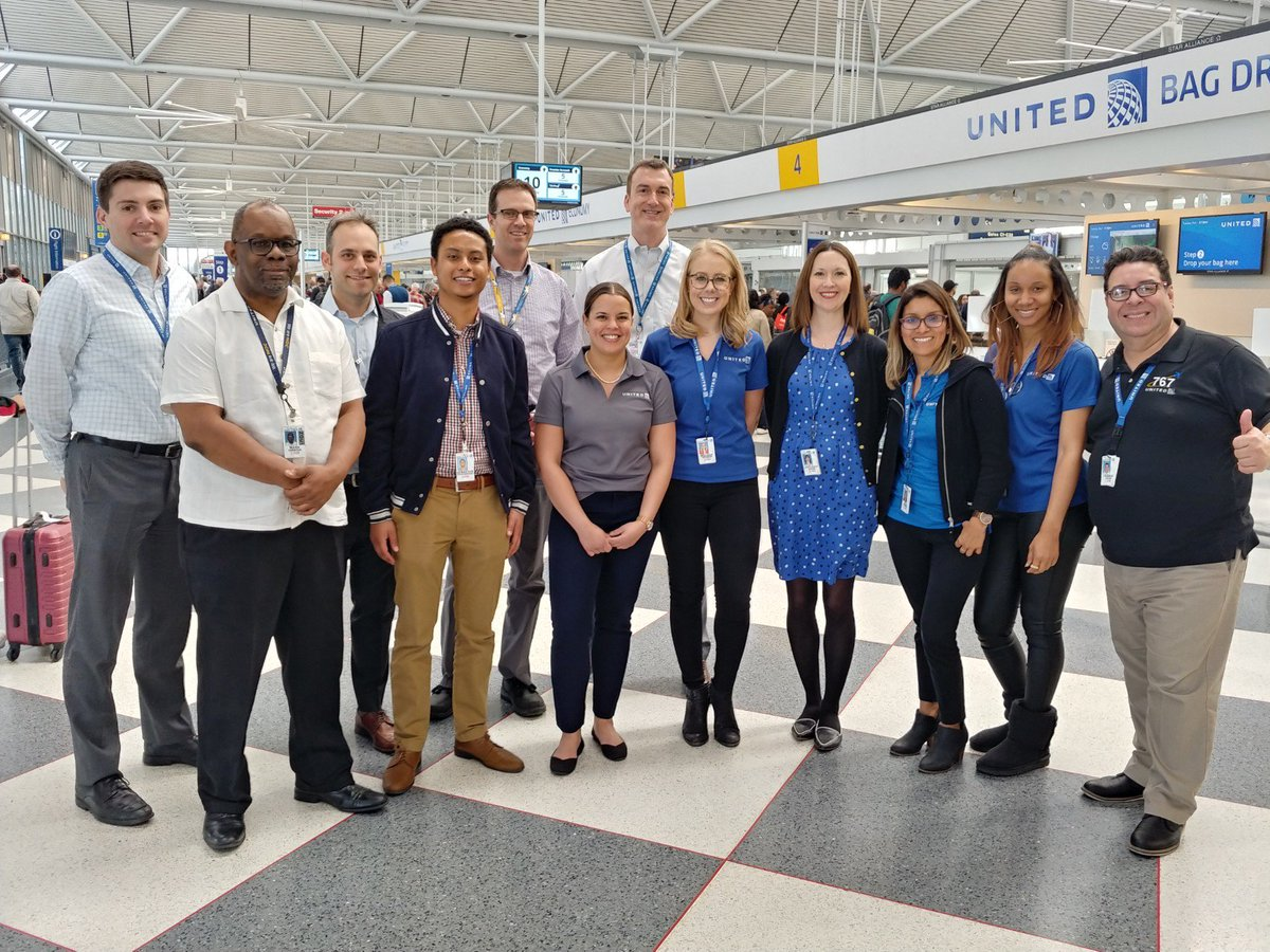#beingunited @weareunited A big shout out to our CSC colleagues below, who came out to ORD to learn about the operation today. Our job shadow event builds working relationships between the CSC and the field, and its a fun way to learn about the operation. Sign up on takeoff!