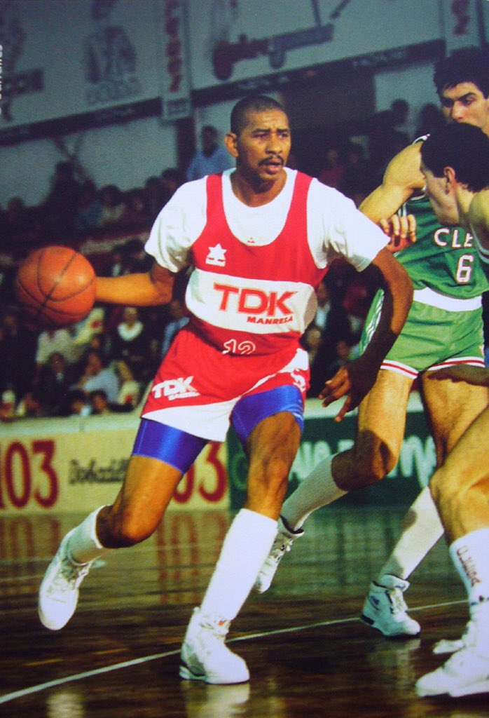 512c36ed50e4 ... NBA star George Gervin playing with Roma and Manresa toward ...