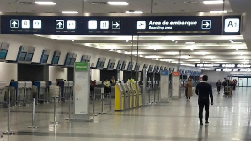 Sin actividad en Aeroparque y reducida en Ezeiza por el paro