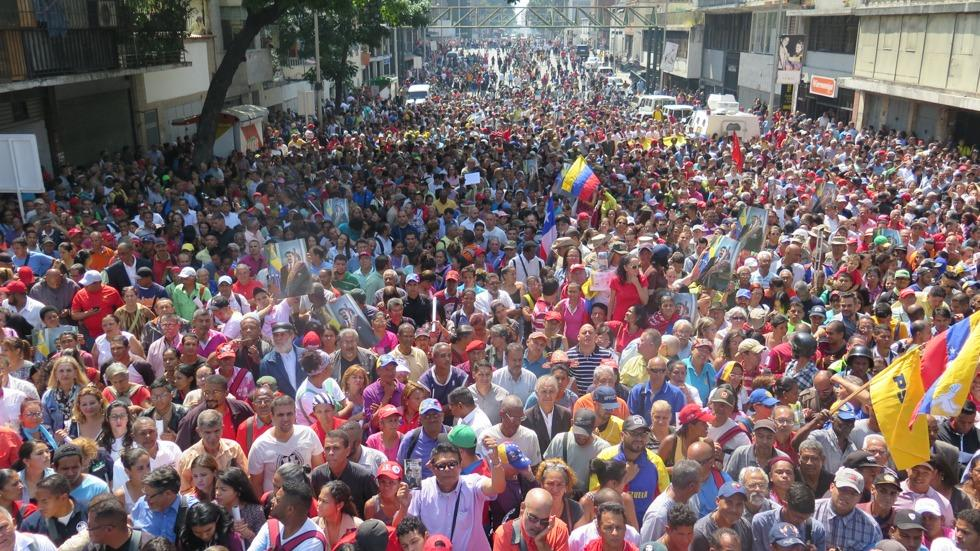 "Maduro: ""¡El Imperialismo quiere matarme!"" - Página 2 D5aR-OYXoAIQYTx"