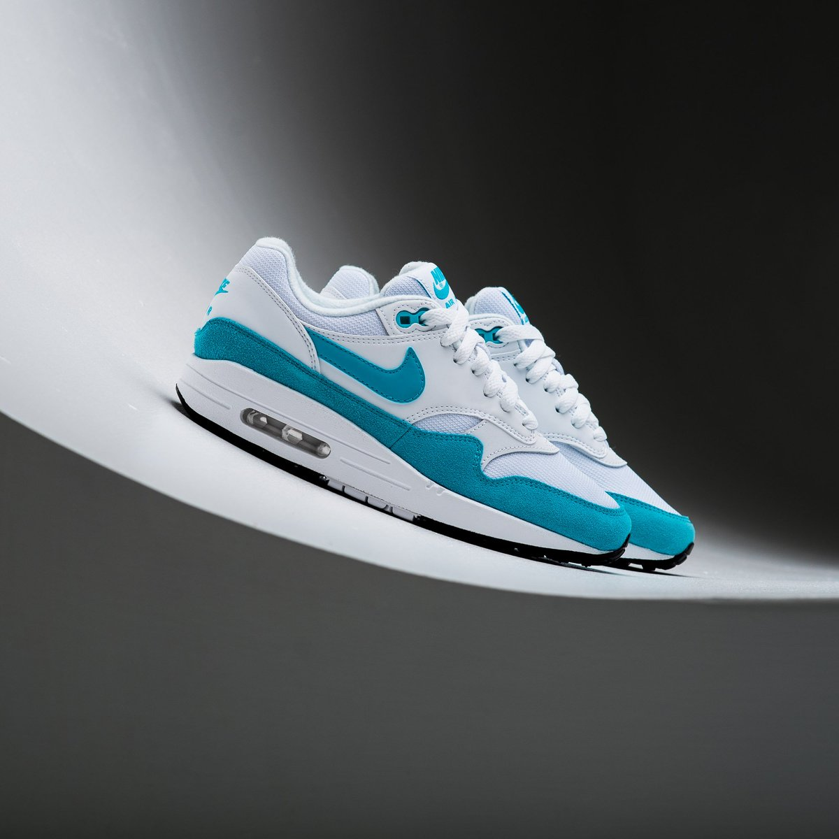 d6e86eda672d4 Now Available    WMNS Nike Air Max 1 - White Atomic Violet    https    sneakerpolitics.com products wmns-nike-air-max-1-white-atomic-violet  …pic.twitter.com  ...