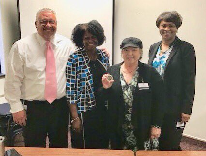 ADD Smith, OA Porter, and RM Dietrich awarding FSA Linda Ratza a teamwork coin for all of her hard work making the amazing baskets for the Oakland County Probation Parole Agent Conference. @Dietrichb7 @MDOCFOA @LatrecePorter @MDOC_QPN