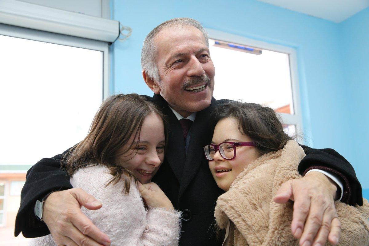 Bayrampaşa Belediye Başkanı Sn. Atila AYDINER'in (@atilaaydiner) okulumuzu ziyaretinden. @bpasabelediyesi @MemBayrampasa #özeleğitim #meslekieğitim
