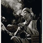 Image for the Tweet beginning: 🎵 American photographer Herman Leonard