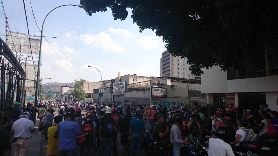 """Maduro: """"¡El Imperialismo quiere matarme!"""" - Página 2 D5bA9j4W0AAKnUI"""