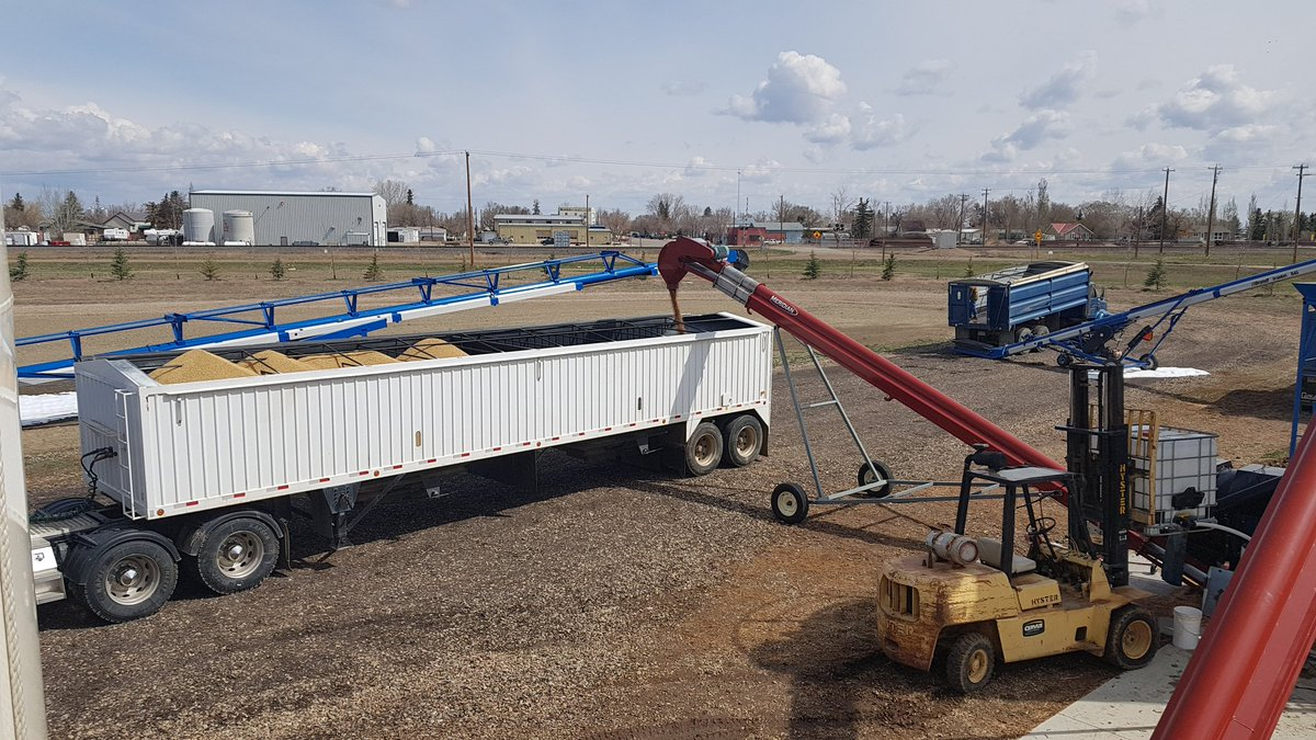 Another load of @ecotea_tm seed dressing going onto a clients barley and wheat. Absolutely amazed at how the uptake has been with clients. So far all spring only 1 application of pink stuff. Normally 3 or 4 totes done to this point. Do your own side by side trials and see!