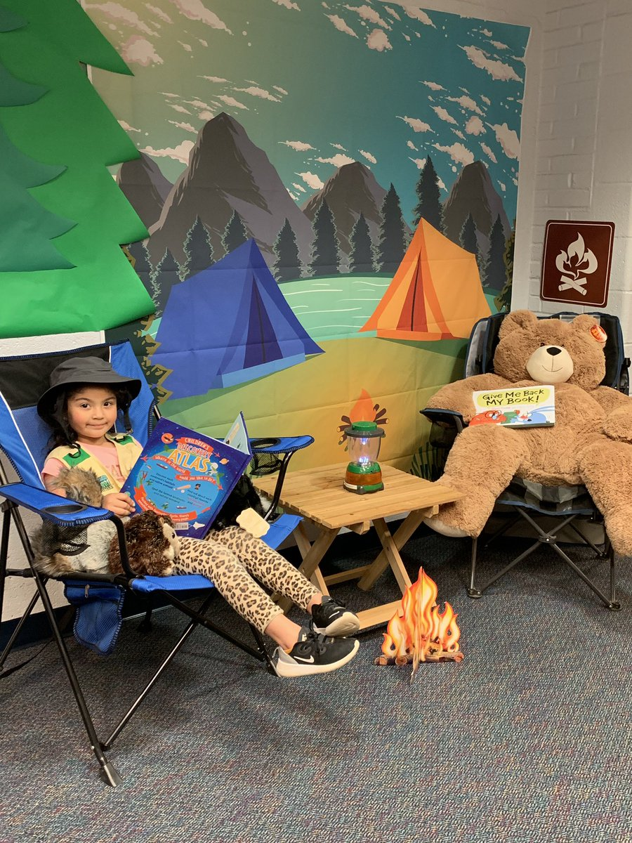Come to the Claremont Bookfair! The s'more you read, the s'more you know! <a target='_blank' href='http://twitter.com/Principal_CIS'>@Principal_CIS</a> <a target='_blank' href='http://twitter.com/CIS_APS'>@CIS_APS</a> <a target='_blank' href='https://t.co/fJKKFx6qxV'>https://t.co/fJKKFx6qxV</a>