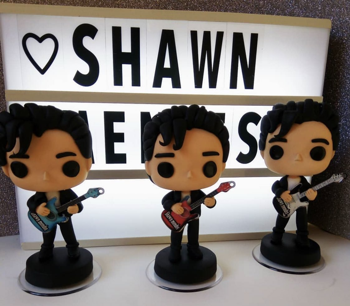 Shawn Mendes Updates On Twitter Check Out These Adorable Custom Made Funko Pop Figures Of Shawnmendes Made By Laribellaartresanatos On Instagram From The Guitars To The Hair These Are Spot On