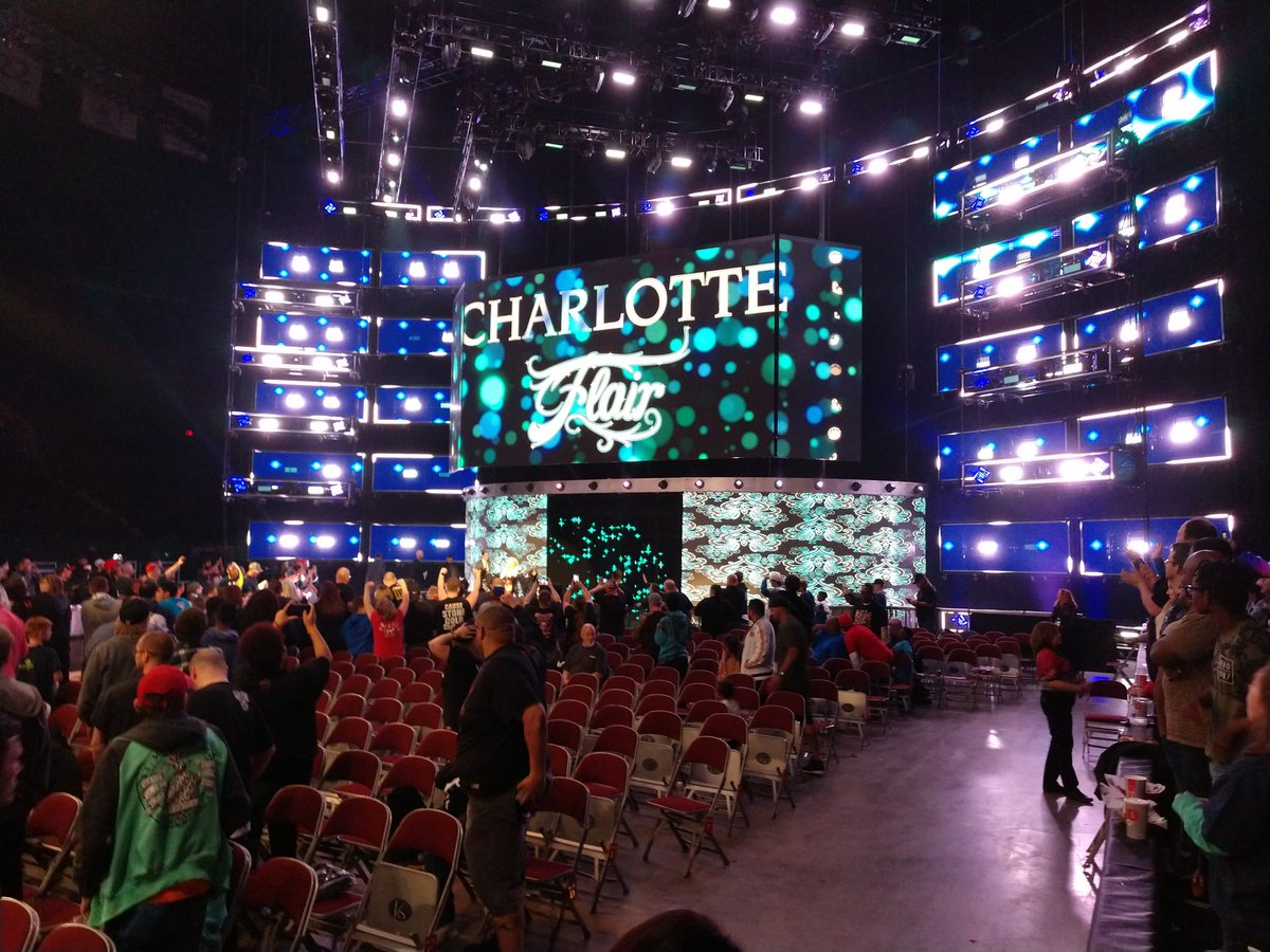 Dark Championship Match. Becky Defeats Charlotte. #SDLive #WWEColumbus <br>http://pic.twitter.com/X6wviw9wlr – à Value City Arena - Jerome Schottenstein Center