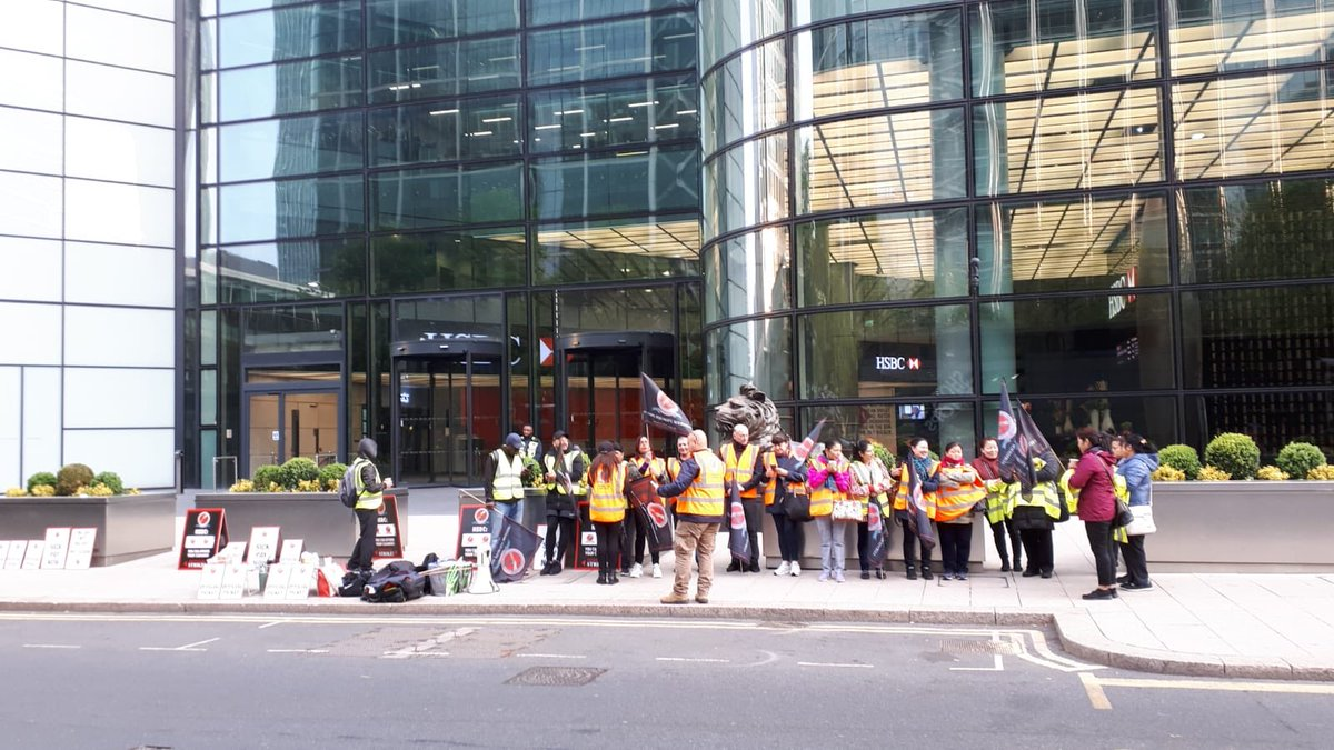 HSBC - 8 CANADA SQUARE CLEANERS STRIKE on May Day until 10am ✊, then all aboard the CAIWU bus 🚌 to pay a visit all those bad bosses on the city of London. Board at noon outside 88 Fleet Street. 🚩 m.facebook.com/events/1726657…