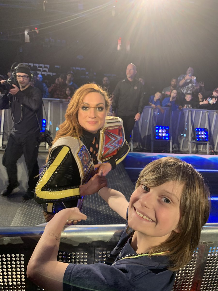 Shout out to @WWE #Superstar @BeckyLynchWWE for taking the time to get a picture with my son Jackson! You made his night! #becky2belts @WWEUniverse #wwe #WWEColumbus #Smackdown<br>http://pic.twitter.com/8S5D7TepEB – à Value City Arena - Jerome Schottenstein Center
