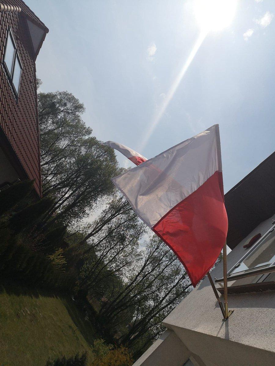 Dariusz Smoliński Pis2you On Twitter Powiewa Flaga