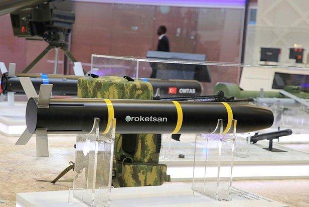 تعرف على قذيفه دبابات Tanok الموجهه ليزريا من انتاج شركة roketsan التركيه  D5eI7XWX4AAPKPN