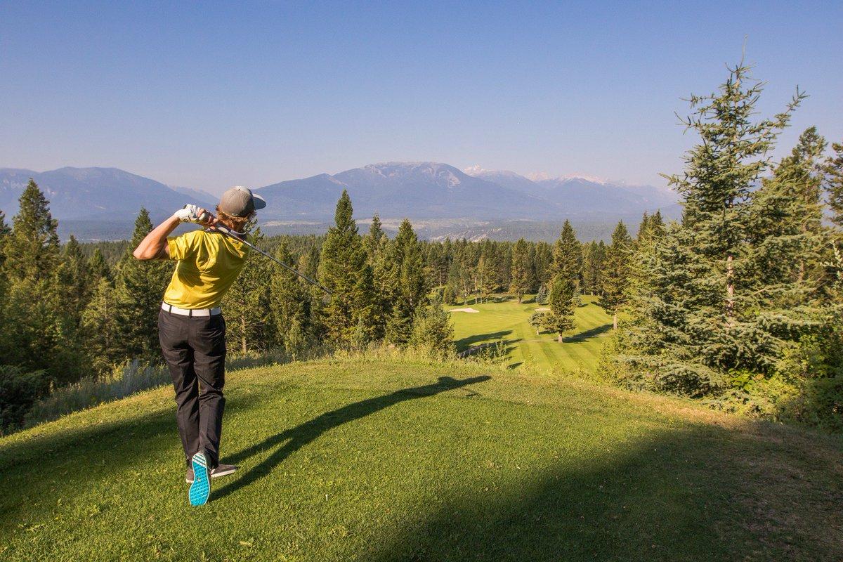 HAPPY INTERNATIONAL GOLF DAY! Get to your favourite course and join us in celebrating this amazing game. #GolfDay #GolfinBC #RadiumGolf #GolfBC #KootRocks (Photo courtesy of @Tourism_Radium) https://t.co/QM38yKbz8a
