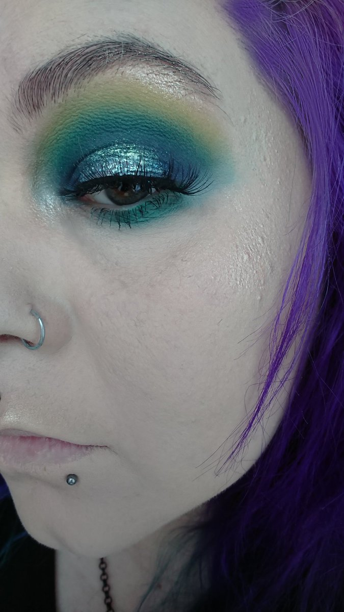 Makeup is my distraction @samplebeautysb  @barrymcosmetics  @JeffreeStar  @KnightAndWilson  × #makeupobsessed #beautyblogger #makeuplove #undiscovered_muas #makeup #makeupartist #makeupaddict #makeuplover #mua #makeupjunkie #beauty #motd #eotd #altmua #indiemakeupartistpic.twitter.com/OkkVdjcYmO