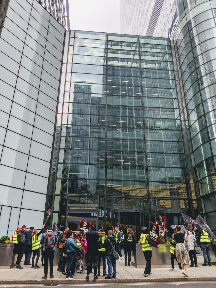 #MayDay @caiwuunion demo is now at @HSBC in Canary Wharf. Cleaners here are on strike for sick pay and an end to recruitment of spying supervisors.