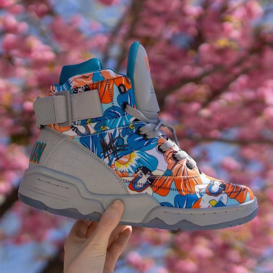 """8b2961f366a076 MACHE275 gets his first official collab with  EwingAthletics. Check out  these """"Ace Ventura"""" Ewing 33 His.pic.twitter.com 1sa4HEXkIU"""