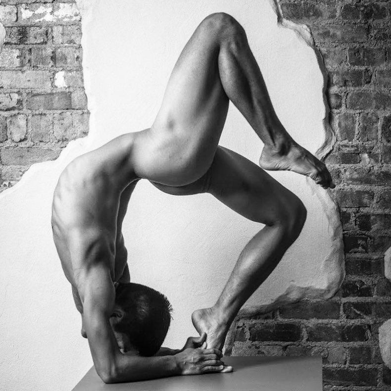 Confessions of the gay yoga instructor ebook