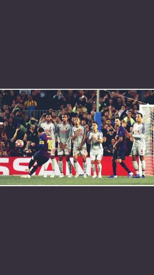 Futbol 11 vs 11 oynanan fakat Messi'si olanın kazandığı bir oyundur.