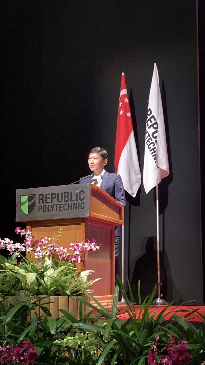 SMS Chee Hong Tat wishes our Class of 2019 all the best!! #RPgrad19 #RPpridepic.twitter.com/BjT0AF5pJC – at Republic Polytechnic (RP)