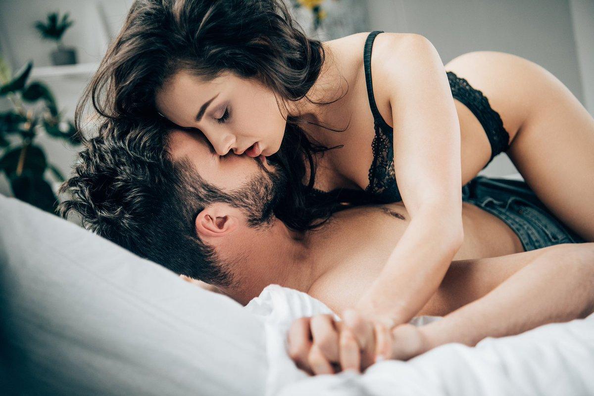 Эритические поцелуи фото вариант