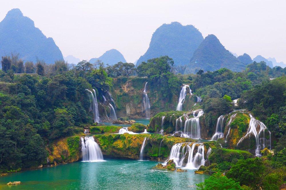 красивые фото водопадов вьетнама башня комплекс трех
