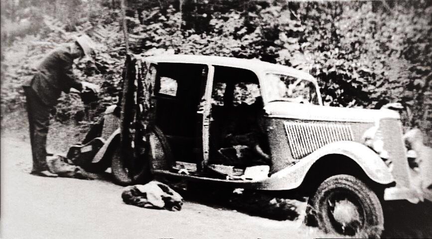 Bonnie And Clyde Shooting : Bonnie And Clyde Death Car ...