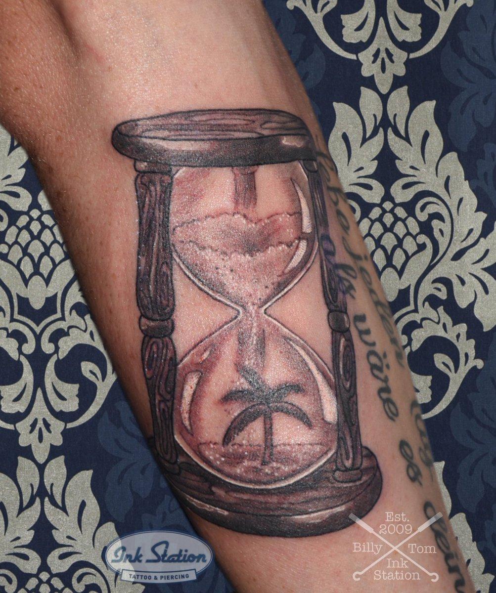 Tattoo sanduhr