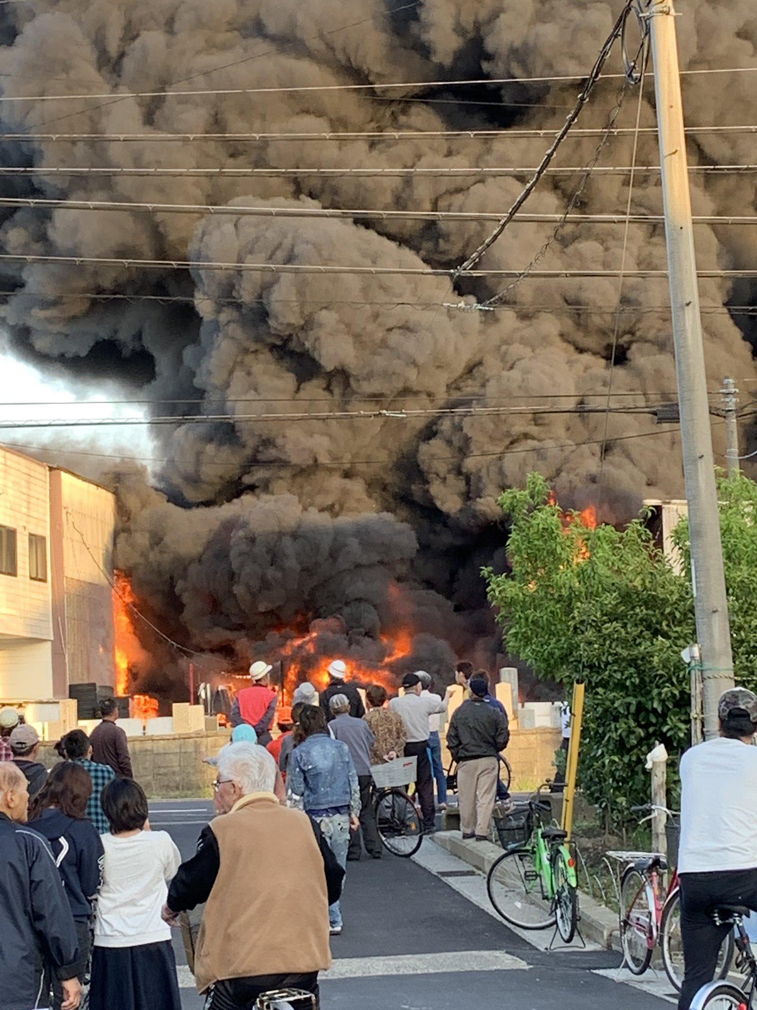 画像,令和そうそうの火事 https://t.co/2pfMBZQdUB。