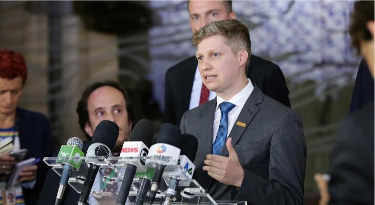 Filiado ao Novo, deputado é líder 'informal' de Bolsonaro na Câmara