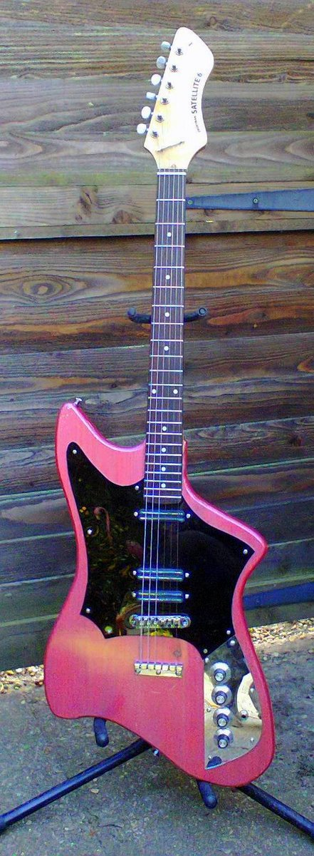 Frontman guitars Satellite 6 pink