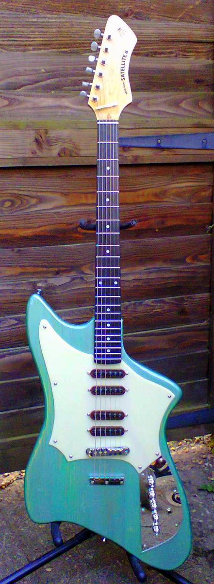 Frontman guitars satellite 6 green