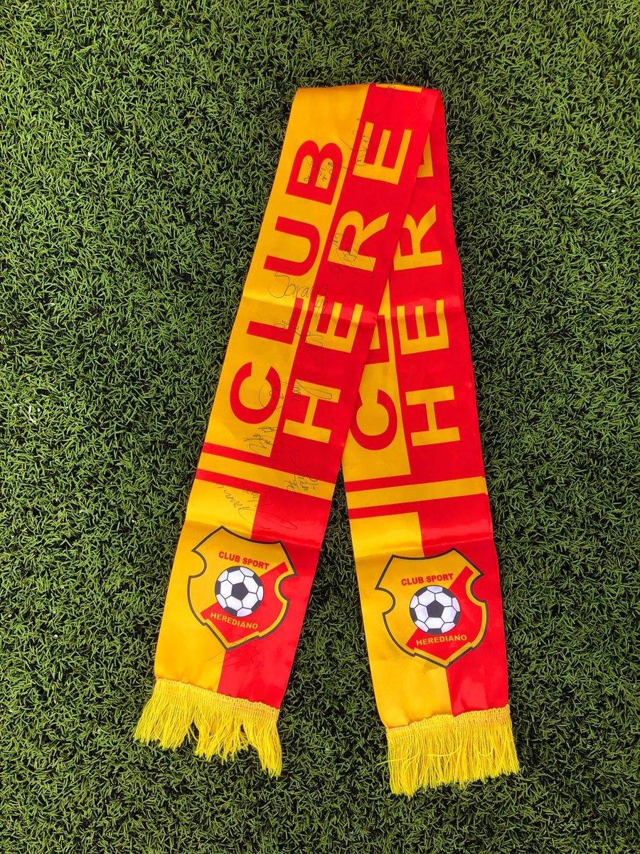 RT y participa por una bufanda firmada por nuestros jugadores 🙌🏼😎❤️💛🐯  #SomosElTeam