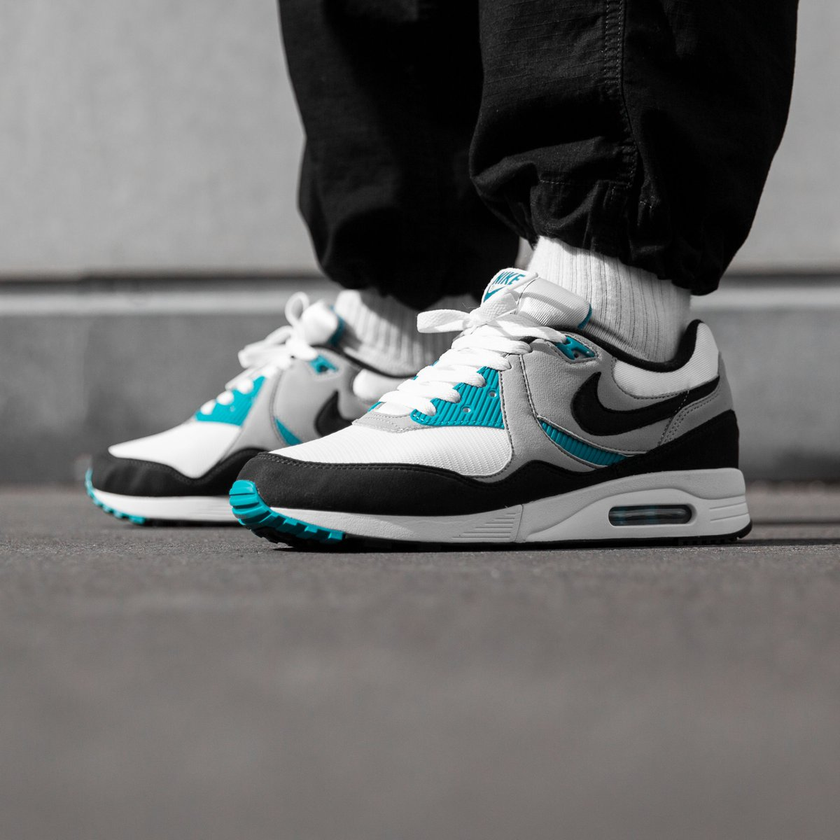 competitive price 6f968 069da a classic from 1989 is back 💫 Rediscover the Nike Air Max Light in