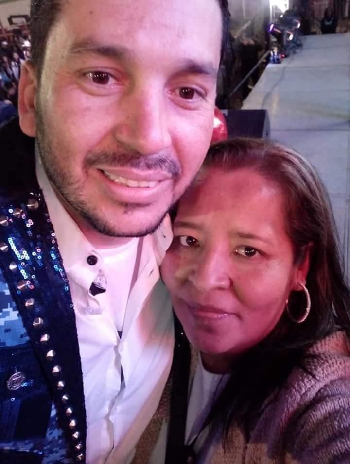 Gracias Flakito yo tengo mi Selfie contigo 💖💖😍😍😍😍 #NenaBarrera Al 💯 con @Flacorecoditos🍷🌹💖 #SelfieConLuisAngelElFlaco